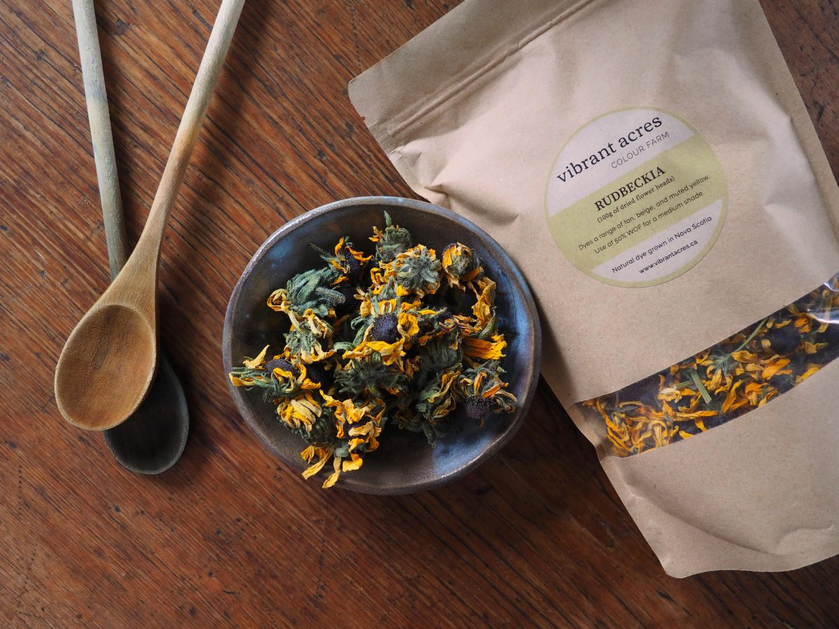 Rudbeckia natural plant dye material and packaged dye